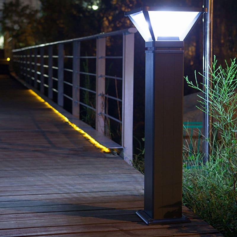 Solar Powered LED Bollard Fixture, Comparable to 70 Watt Halogen, 500 Lumens, 120 Degree Beam Angle, ID-1022